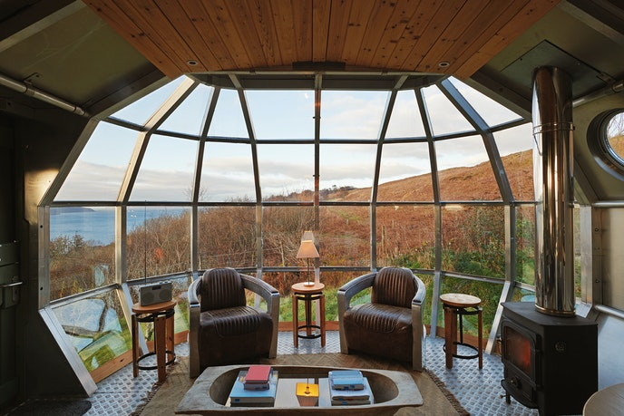 It looks like a spaceship, but this Scottish retreat is actually a tiny house for two.