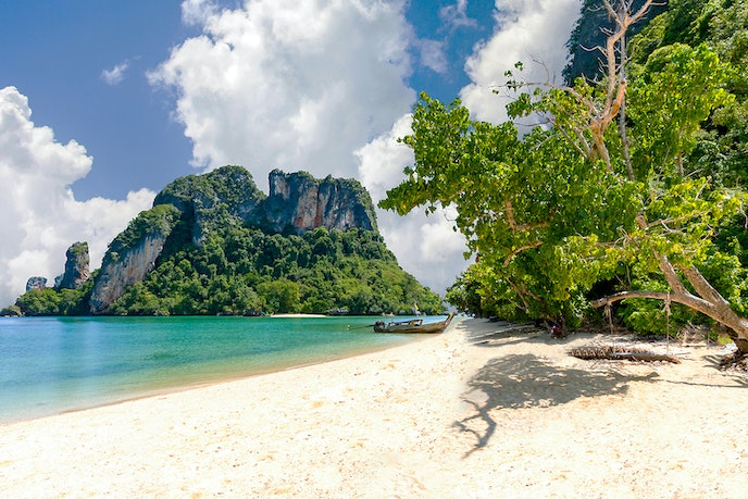 Hop on a longtail boat from Koh Yao Noi to explore idyllic islets like Koh Pak Bia.