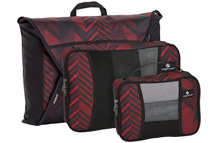 The Eagle Creek starter set comes with three packs and includes a folder. 47c63902485ba