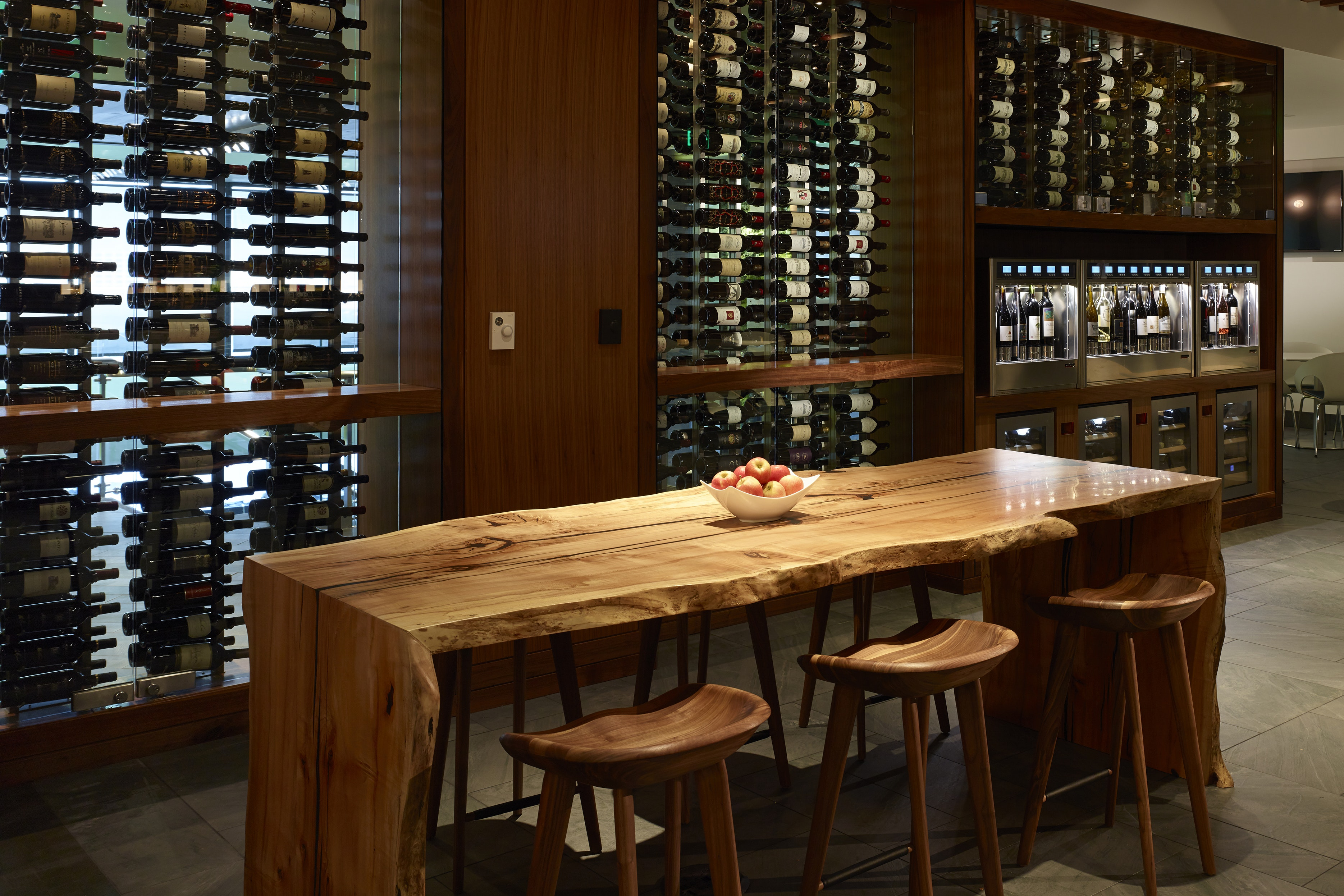 The wine bar at SFO's Centurion Lounge