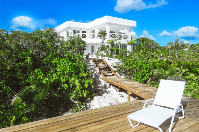 The White Ocean Coral Villa can sleep up to 12 guests across two floors.