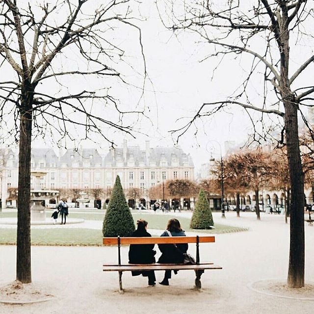 @applespoon, is there room on that Parisian park bench for us?