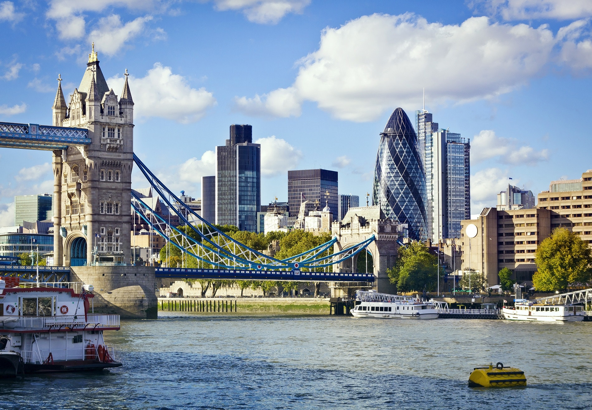 Getting a free flight to London using miles is easier than ever.