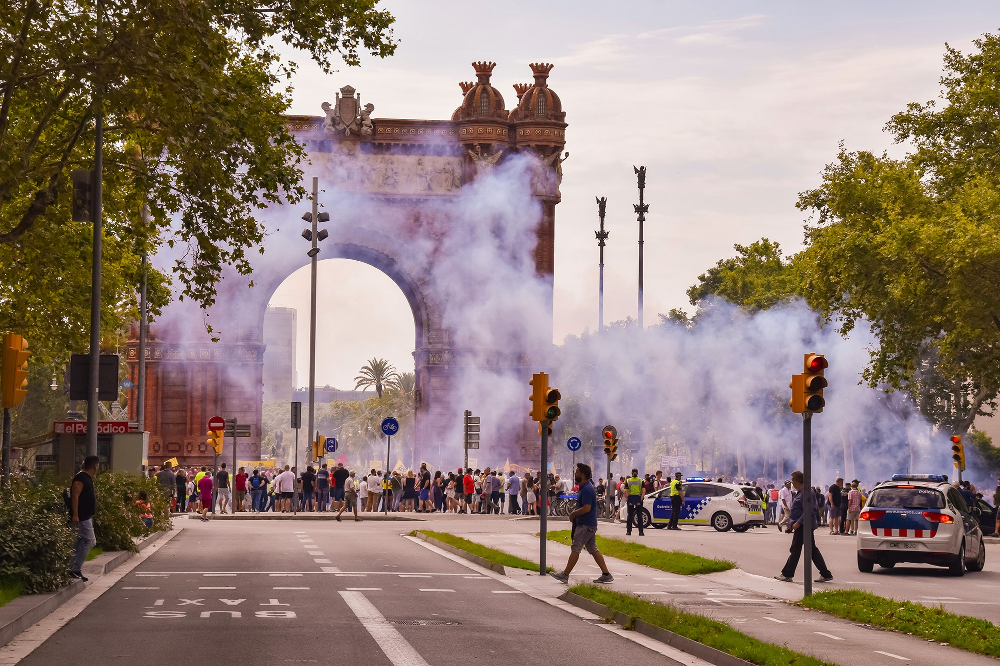 Taxi drivers protest against Uber in front of Barcelona's Arc de Triomf.
