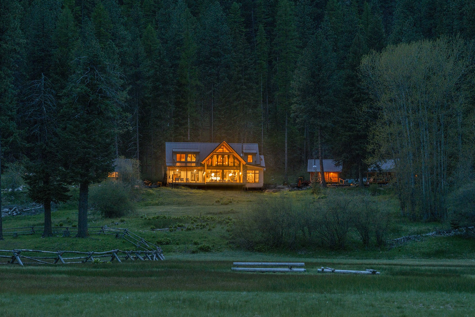 Minam River Lodge is an off-the-grid haven with a CIA-trained chef.