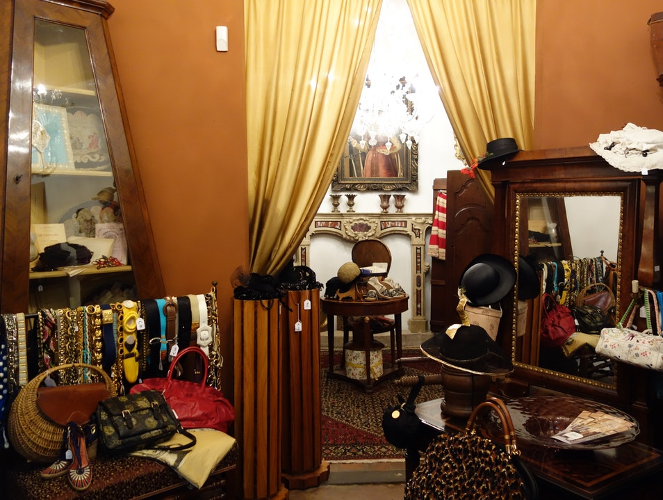 Quality Vintage Shopping, Finally! Florence  Italy