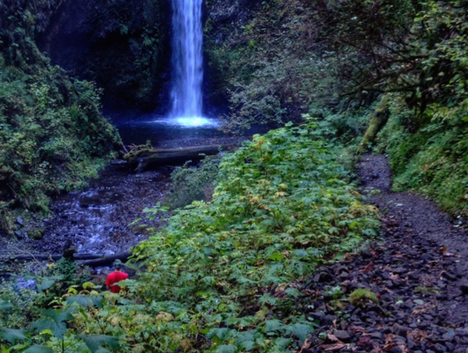 Hiking the Wahkeena-Multnomah Loop Corbett Oregon United States