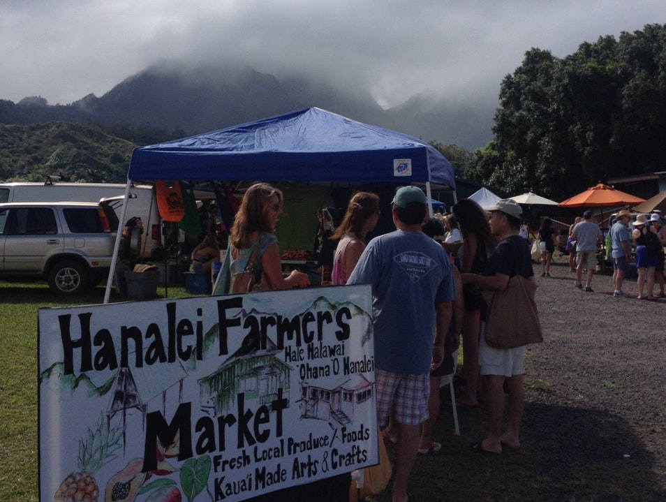 Grabbing a piece of Hanalei at the farmer's marketi Hanalei Hawaii United States