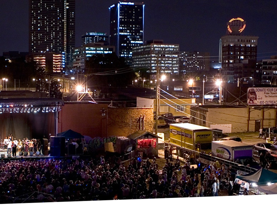 Outdoor Concerts Nestled into Downtown KC Kansas City Missouri United States