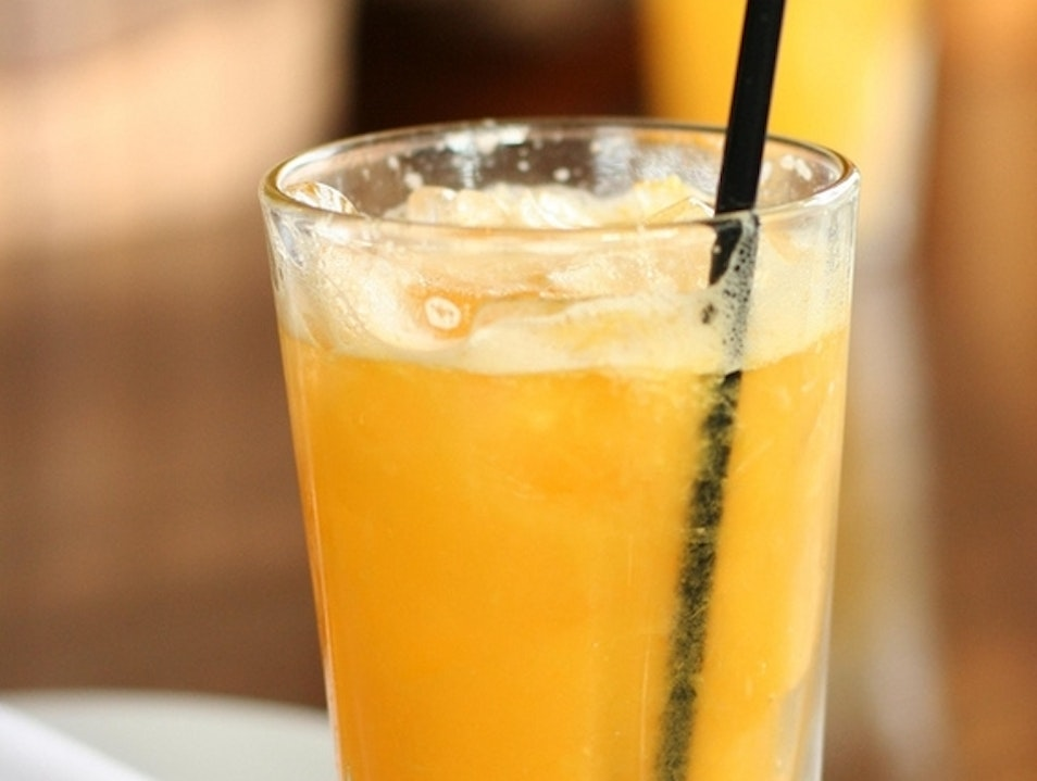 Refresh Yourself at Islands Natural Cafe