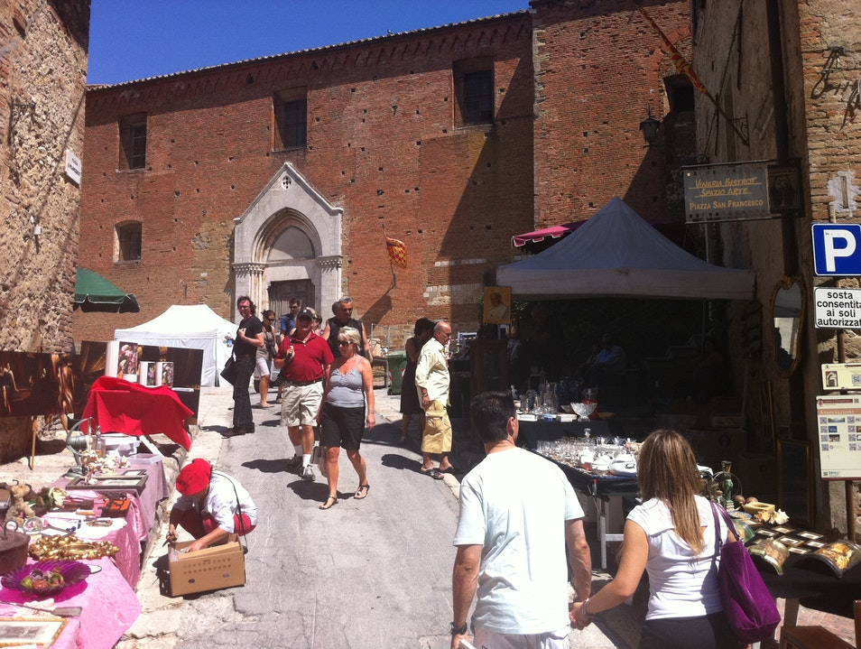 Open market for Calici di Stelle Montepulciano  Italy