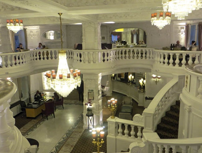 Wedding Cake Lobby at the St. Ermin's Hotel