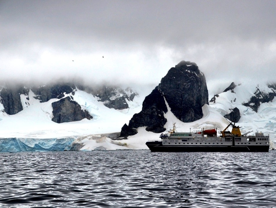 Cruise Around Antarctica