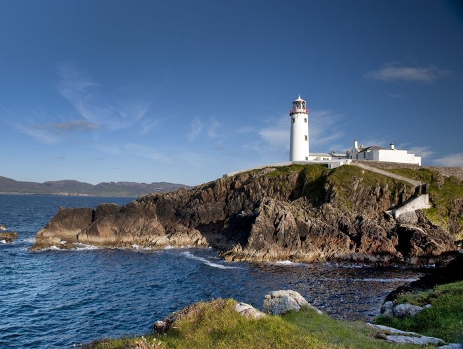 A drive on Donegal's Fanad Head peninsula