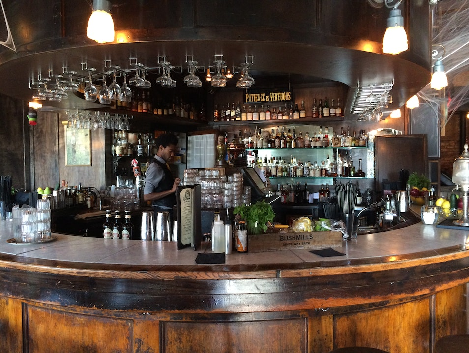 Thirsty Crow: Where Whiskey Lovers Go