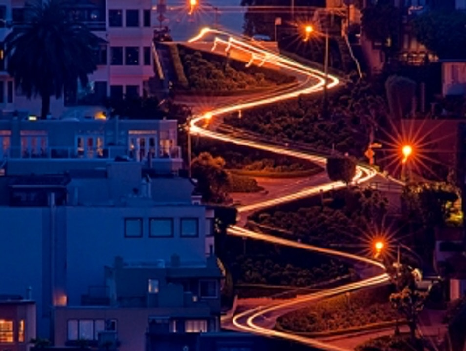 Lombard Street - sightseeing places in san francisco San Francisco California United States