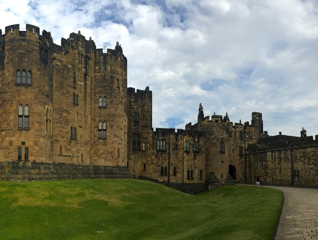 Relive scenes from Harry Potter and Downton Abbey in the magnificent setting of Alnwick Castle