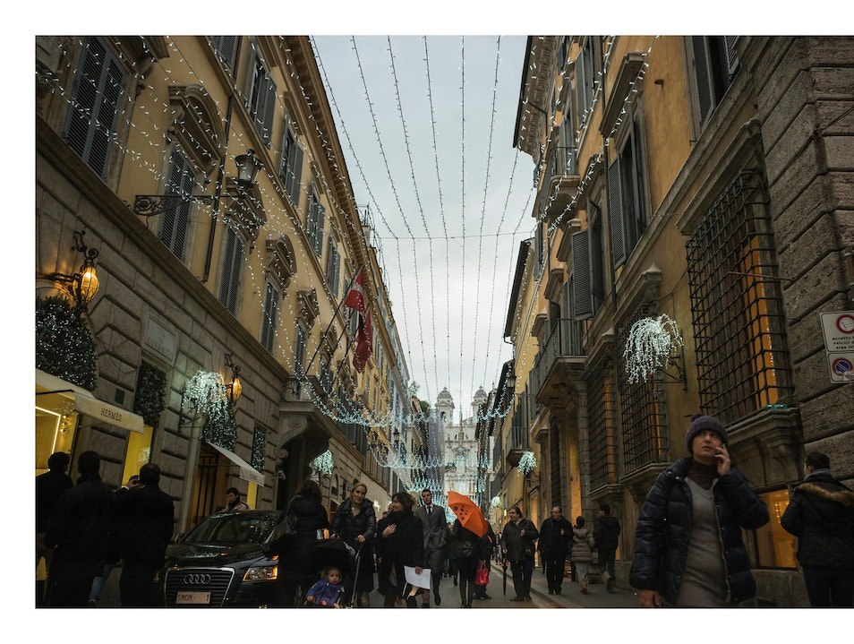 A must-do walk towards the Spanish Steps