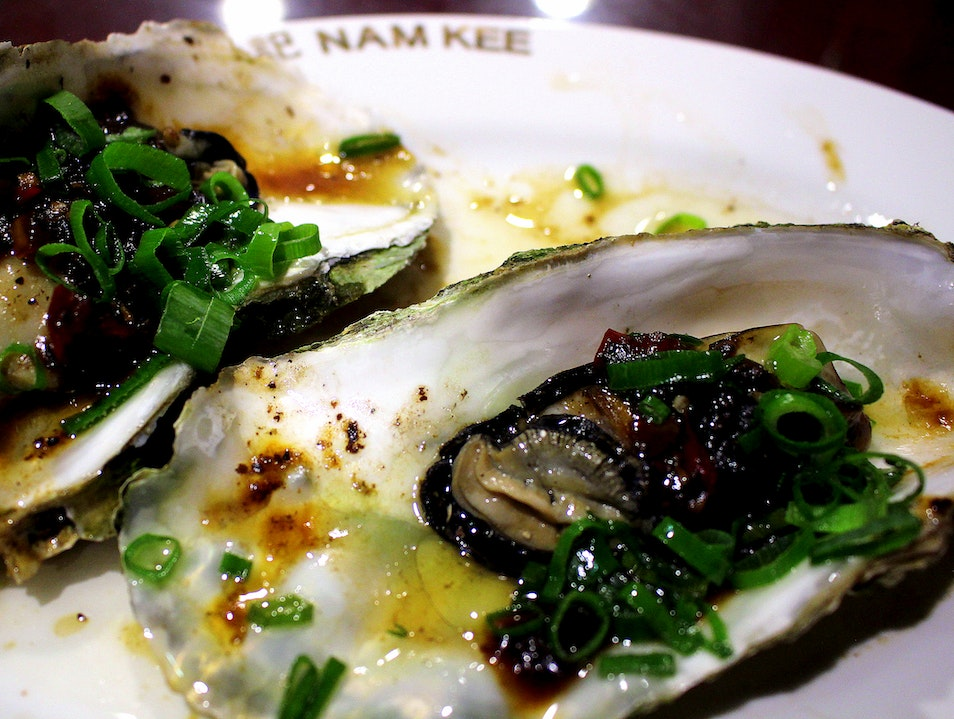 Eating Oysters at Nam Kee
