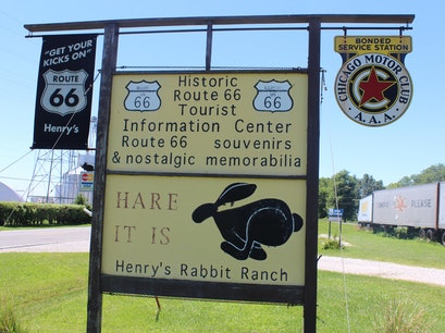 Henrys Rabbit Ranch Staunton Illinois United States