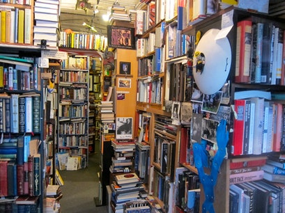 Ravenswood Used Bookstore Chicago Illinois United States