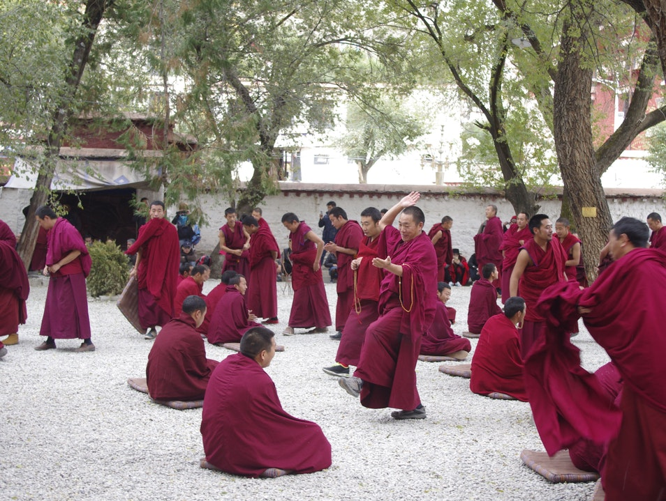 Monks debating Lasa  China