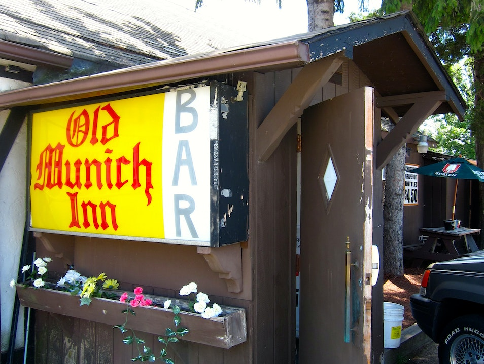 There's Always Room at the Old Munich Inn Bar Wheeling Illinois United States