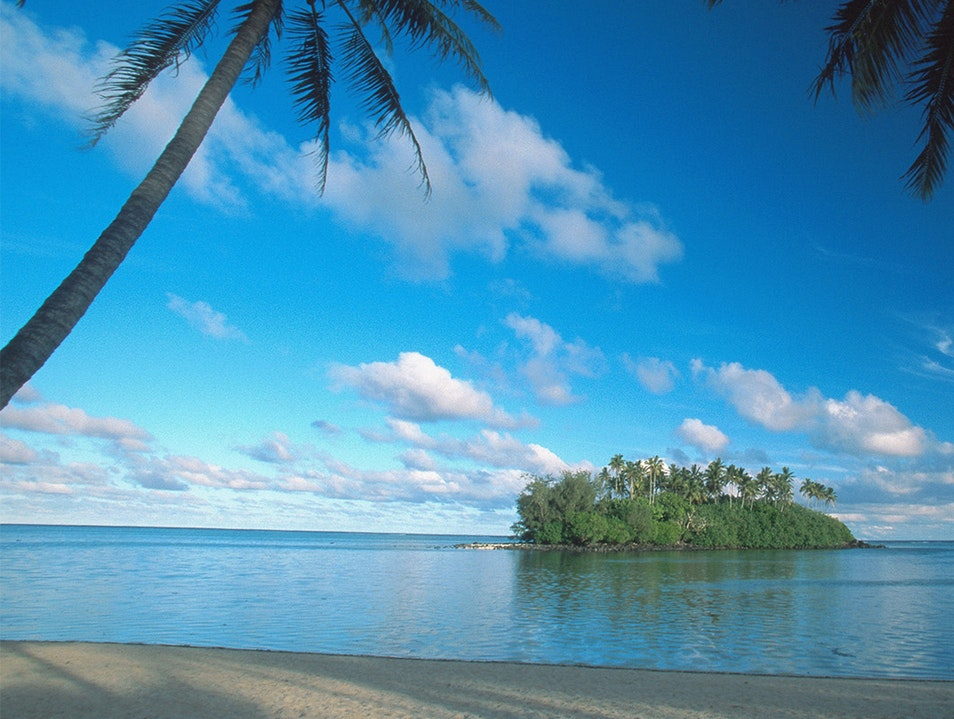 Muri Lagoon Cruise Avarua District  Cook Islands