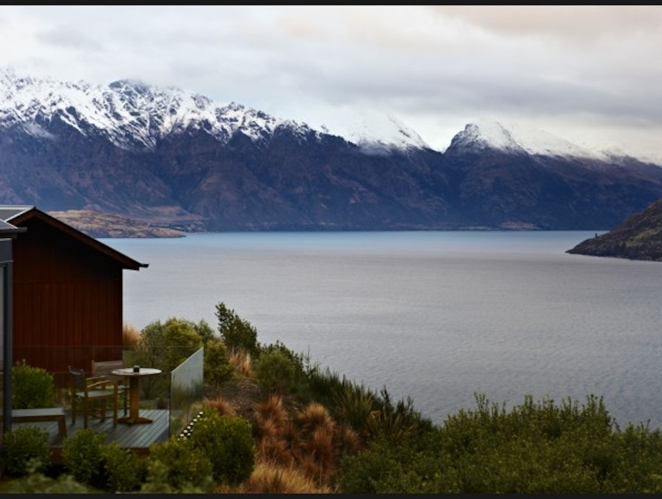 Luxe lakeside lodges