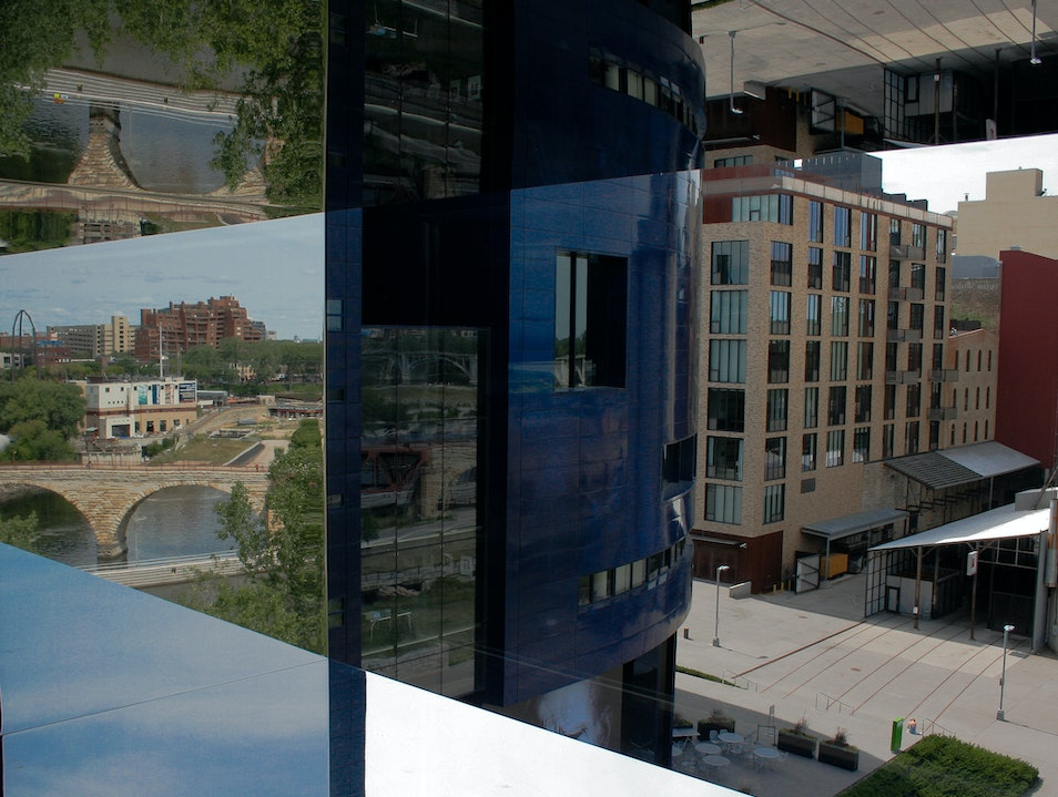Performances and Panoramic Views at Guthrie Theater