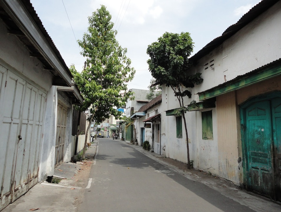 Get Lost in The Charming Alleys in Solo