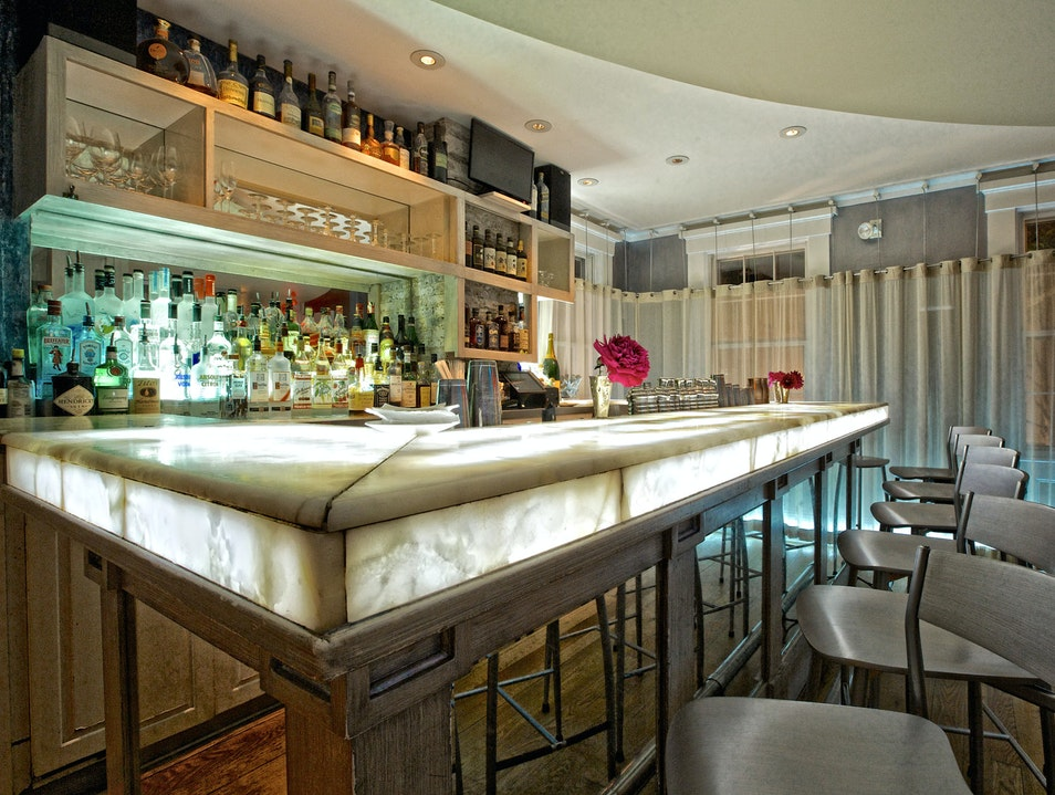 Classic Cocktails in Slick Setting