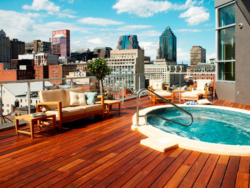 A Bathtub with a View Montreal  Canada