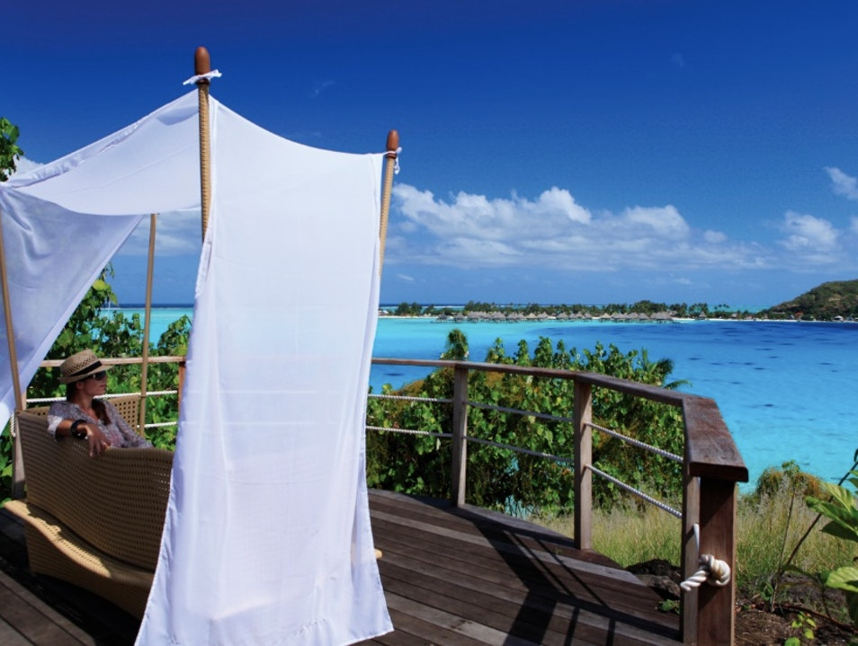 Beyond Chic: Private Island Romantic Bliss   French Polynesia