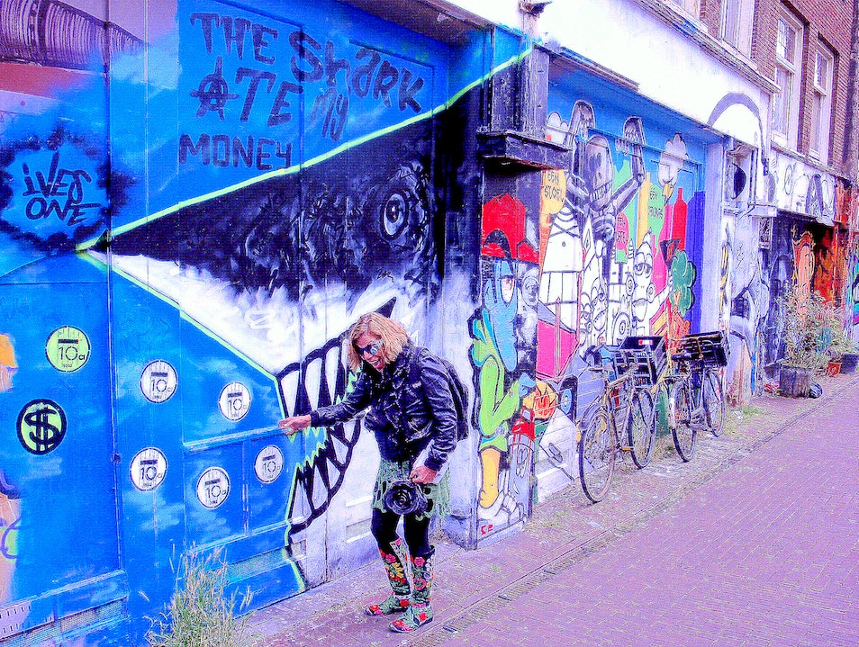 Discover Hidden Amsterdam on Literary & Cultural Walking Tours    Earth