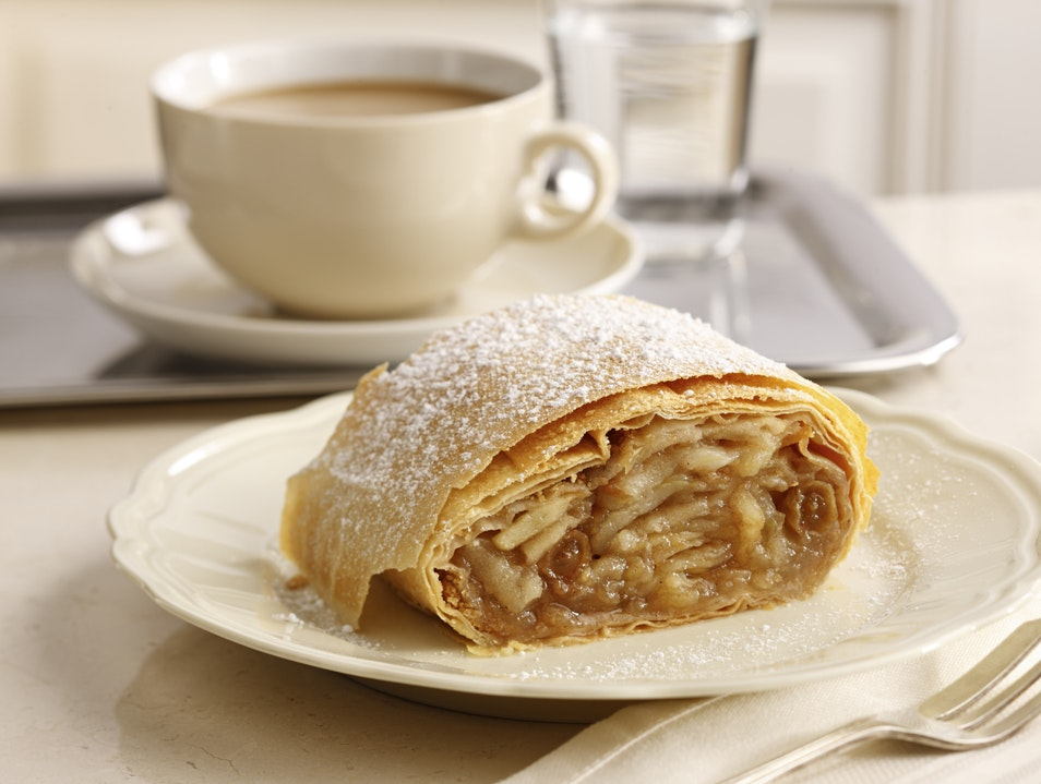 Bake your own Apple Strudel Vienna  Austria