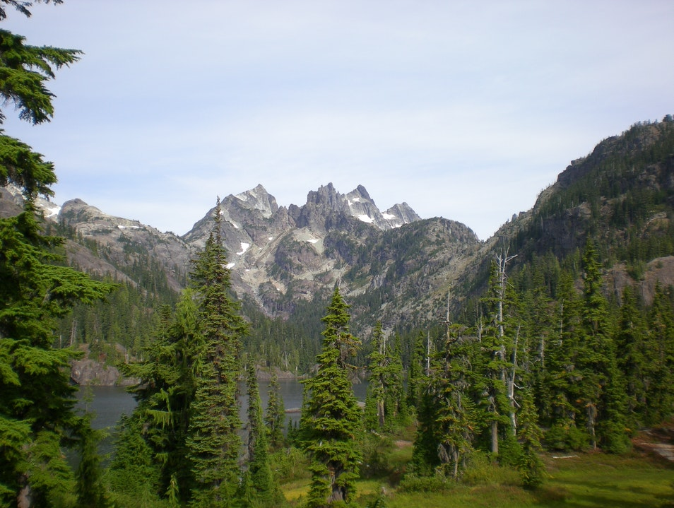 Backpacking to Spectacle Lake Snoqualmie Pass Washington United States