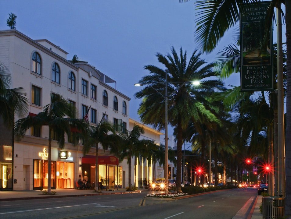 Extreme Shopping On Rodeo Drive