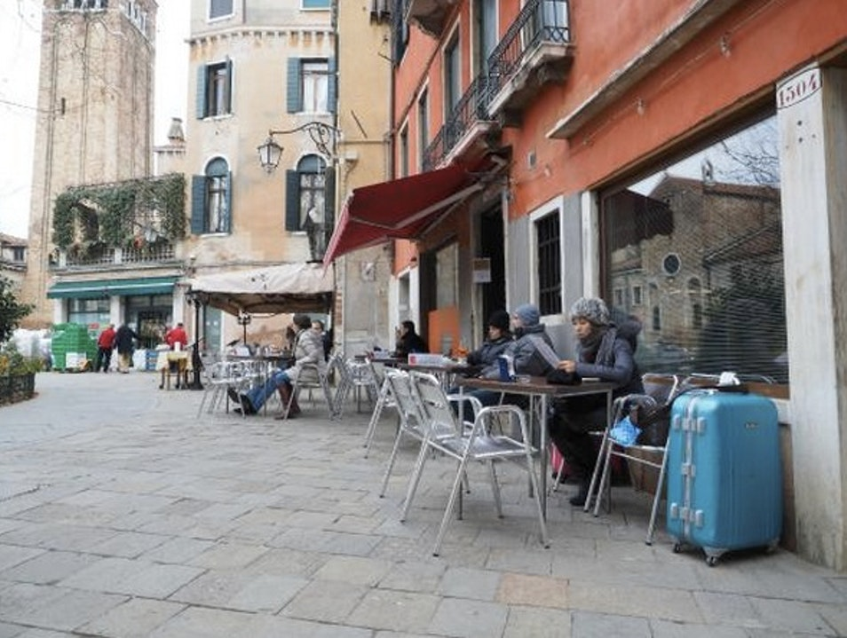 Wine and People Watching: Al Prosecco Venice  Italy