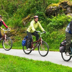 Djupvasshytta Mountain Lodge Bike Ride