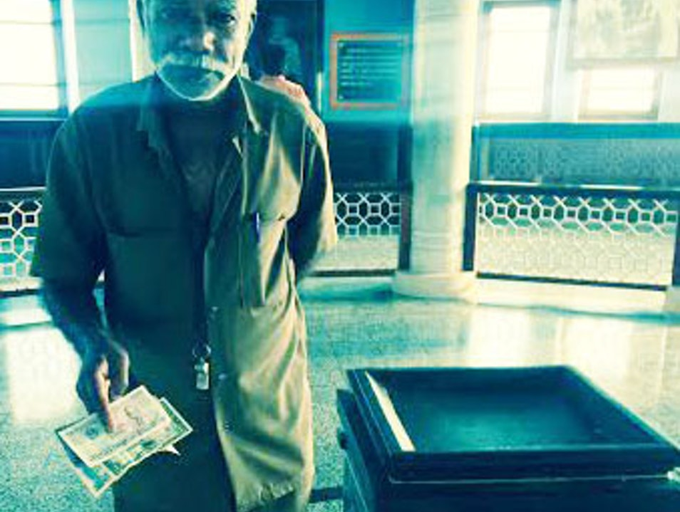 A Conversation with a Watchman at the Gandhi Memorial
