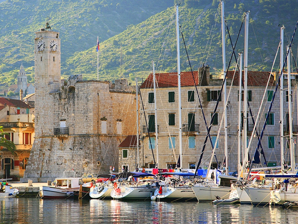 Military tours on Vis Island