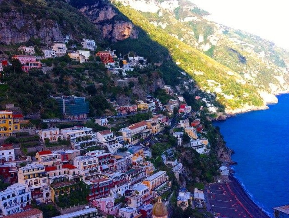 Bus rides in Positano are not for the faint of heart