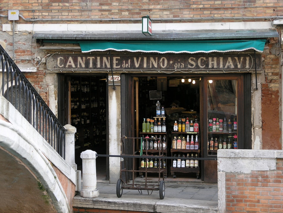 Local Wine Bar, Venice Villanova Marchesana  Italy