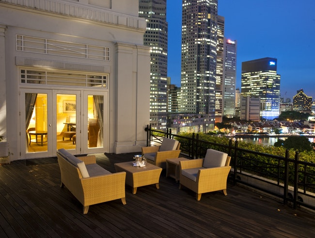 Stately Luxury on the Singapore River