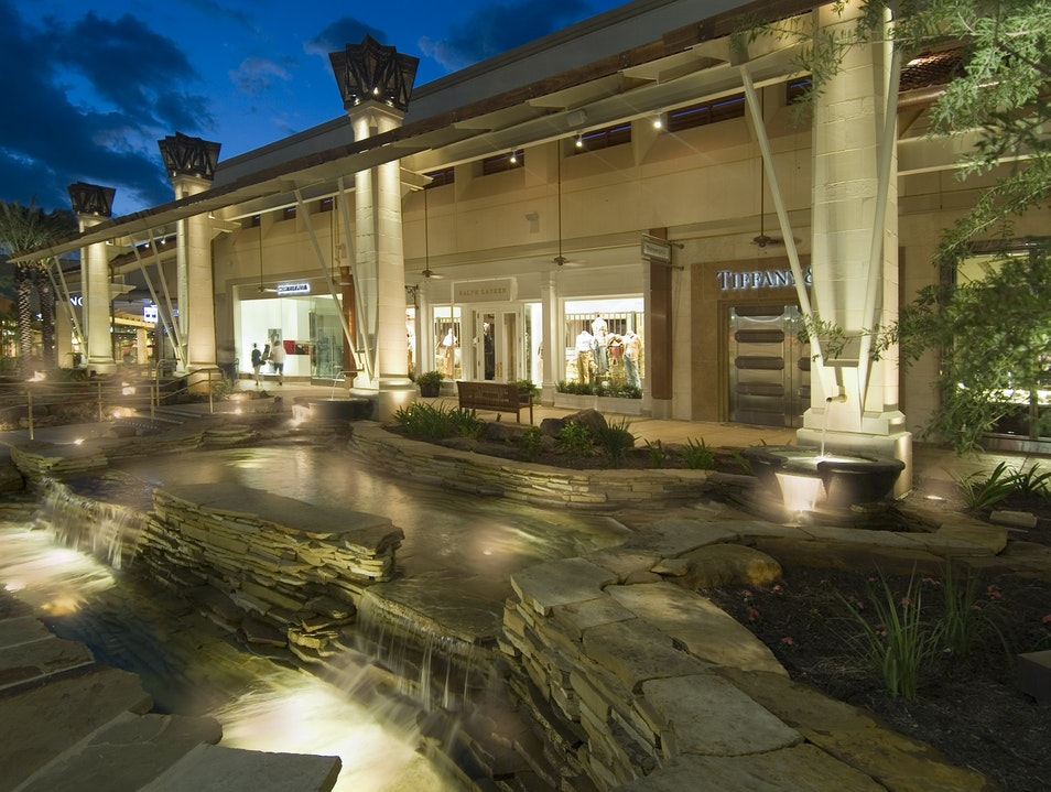 San Antonio's Most Luxurious Outdoor Shopping Mall San Antonio Texas United States