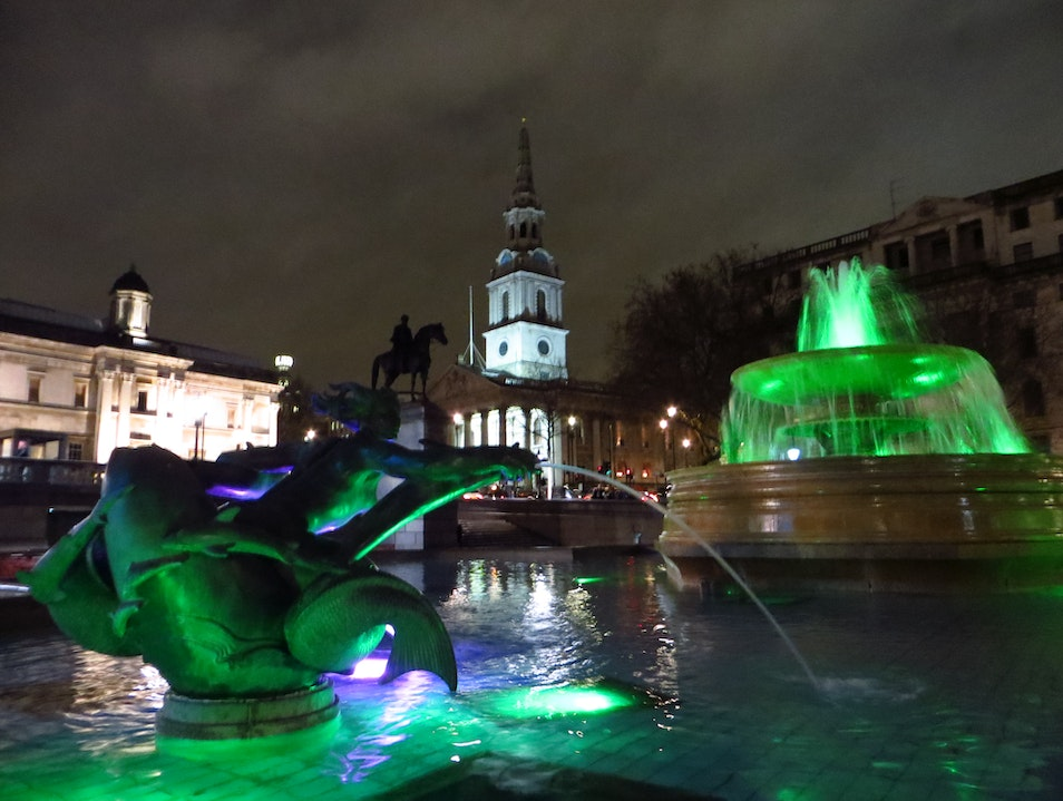 All a glow at night in Trafalagar Square