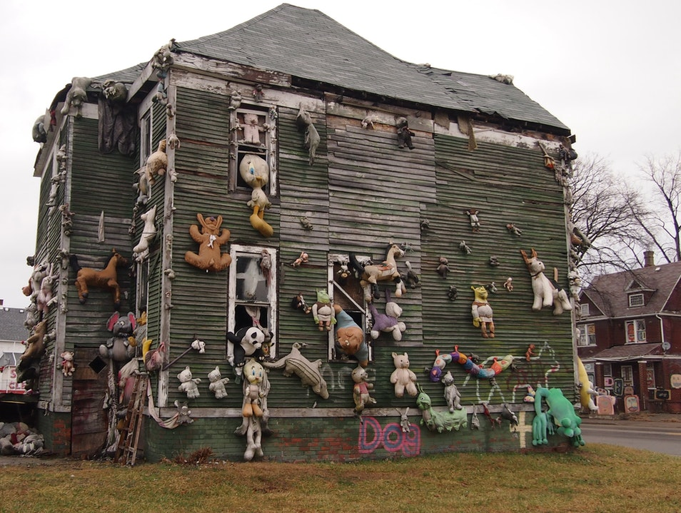 Doll House: The Heidelberg Project