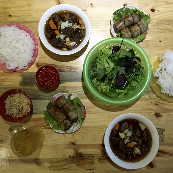 eat delicious bun cha ha noi at bun cha ta
