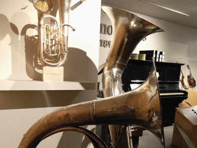 Museum for lovers of instruments & music in Carlsbad, CA